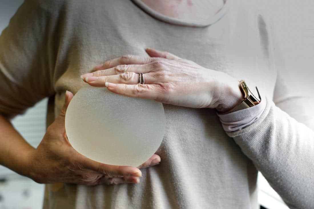 Žene sa ugrađenim silikonima češće idu na kontrolne preglede