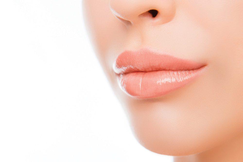 Hijaluronski fileri za usne