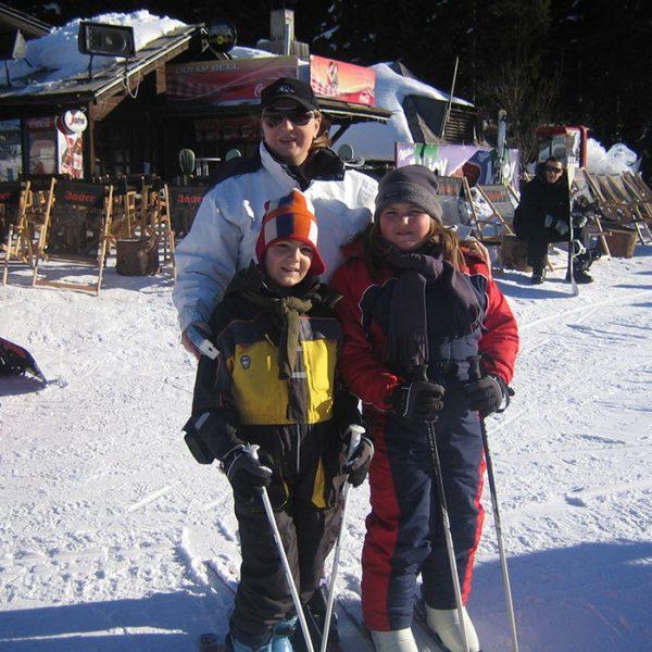 Prof. dr Milan Jovanović, Kopaonik skijanje, supruga i deca, 2007