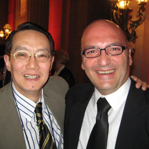 Prof. dr Milan Jovanović i Prof. dr Wu Woffles, Singapore, 2010.