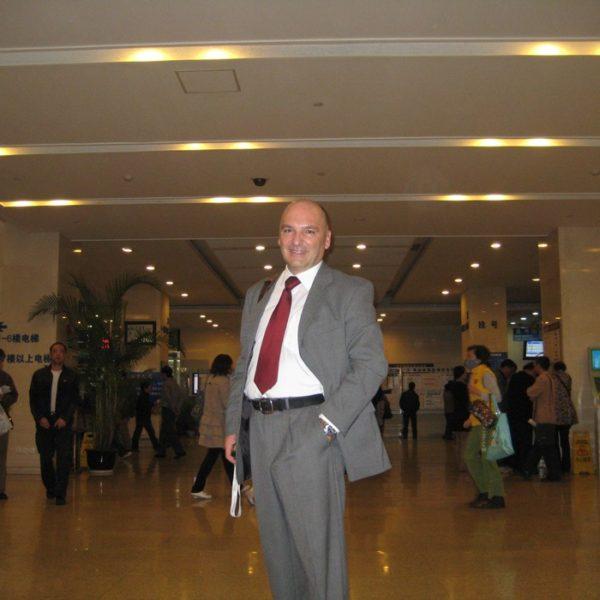 Prof. dr Milan Jovanović, Ruijin hospital in Shanghai, China