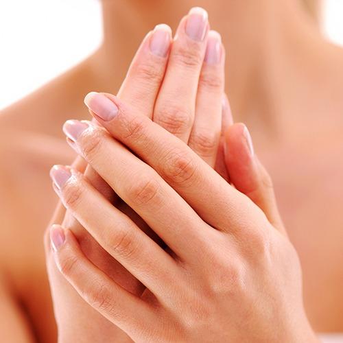 <a href='/procedure/podmladjivanje-saka/'>Podmlađivanje šaka sopstvenim masnim tkivom (lipofiling)</a>