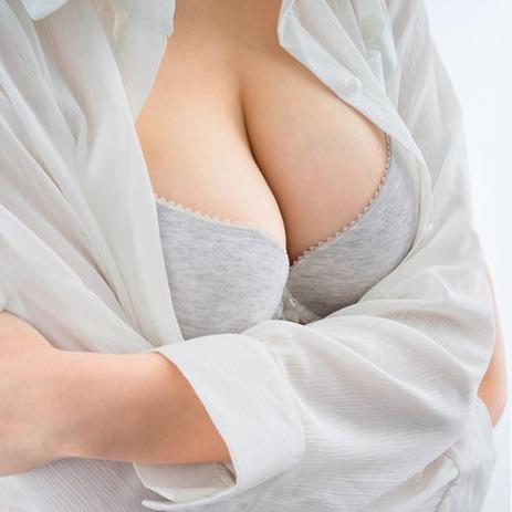 Zatezanje i podizanje dojki bez silikona (mastopeksija)