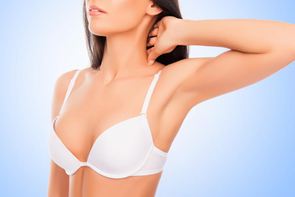 Cena korekcije asimetrije dojki