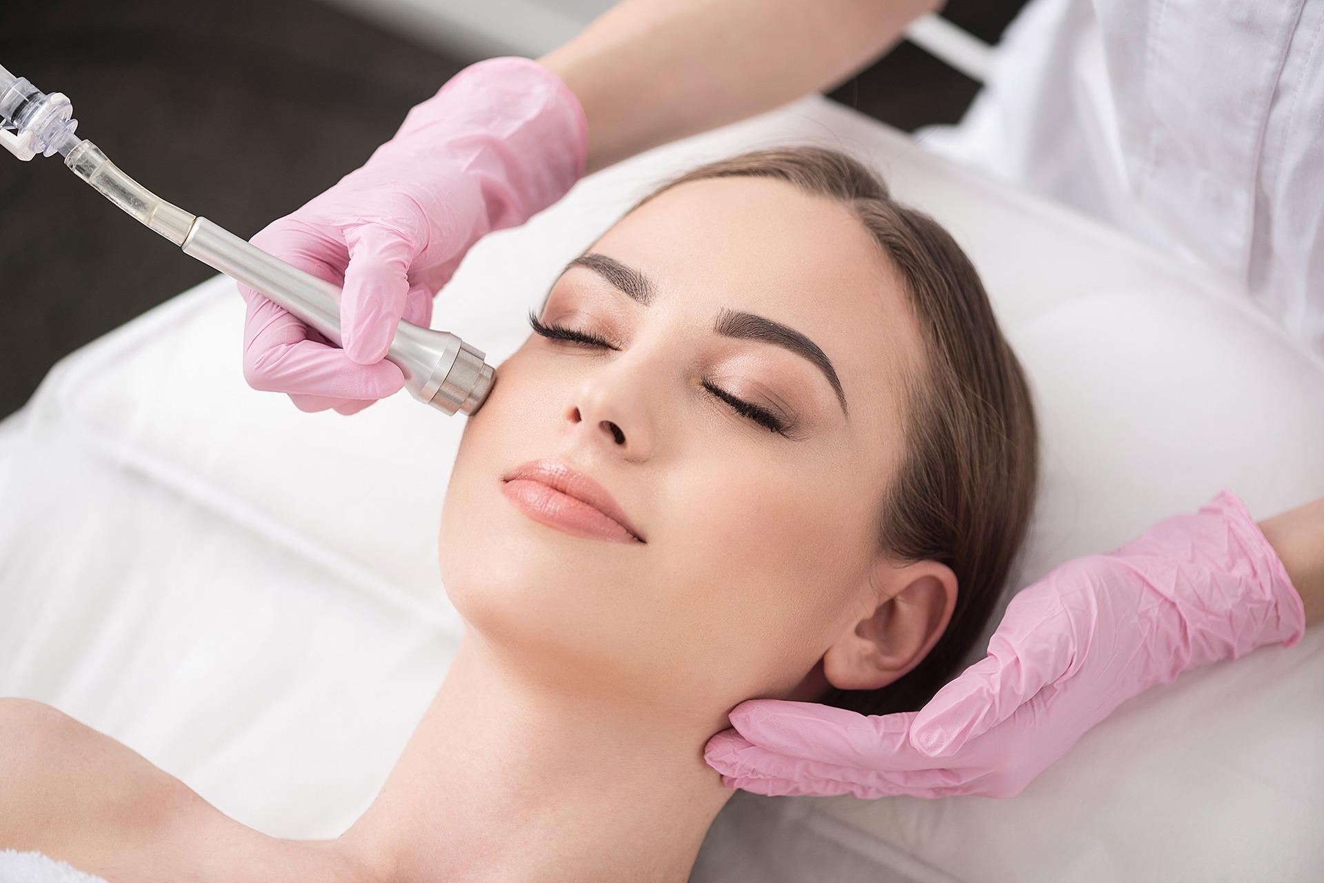 Podmlađivanje kože mikrodermoabrazijom