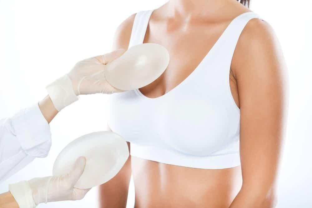 Silikoni u grudima obezbeđuju adekvatnu veličinu i oblik dojki